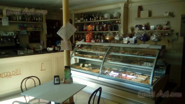 Arredamento panificio pasticceria composto banco pane for Arredamento caffetteria