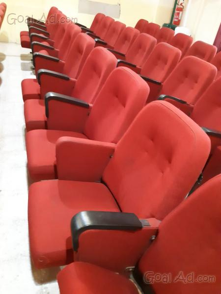 Poltrone Cinema Usate.Regalo Poltrone Cinema Teatro Sala Conferenza Cerca