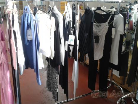 5fc631ec9783 Ingrosso stock outlet abbigliamento ... - Abbigliamento - 113€. Maggio  2015. Stock firmato multibrand donna ...