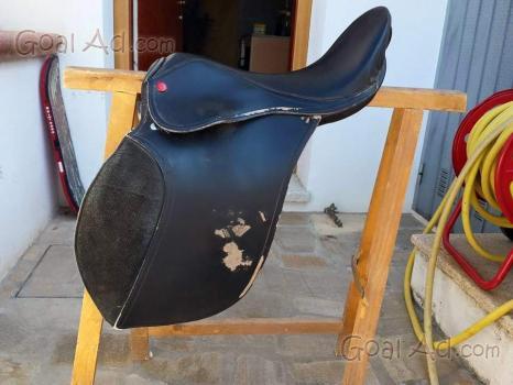 Cavallo sella sottopancia staffili vendo sella cerca compra