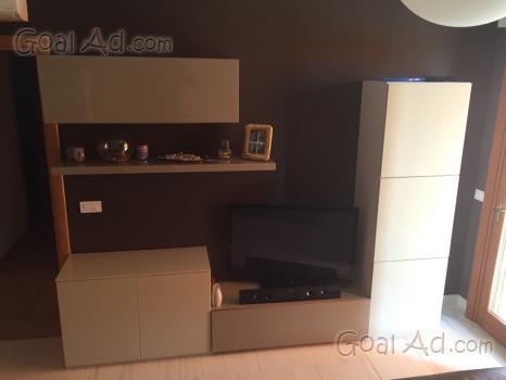 Divani parete attrezzata vendo divani pelle - Cerca, compra, vendi nuovo e us...