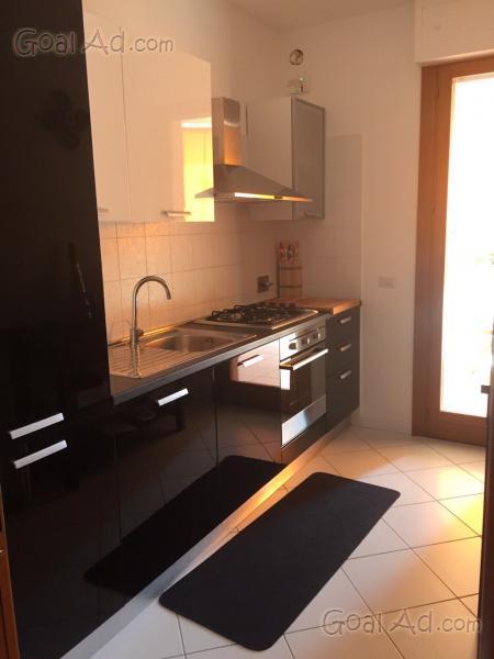 Cucina moderna lineare vendo sottomarca lube - Cerca, compra, vendi ...