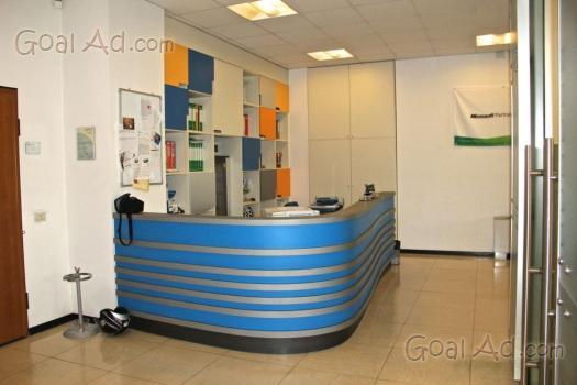 Arredo ufficio reception vendesi reception ufficio cerca for Vendesi ufficio roma