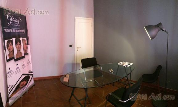 Coworking affitasi postazione ufficio loft ristrutturato for Affitto coworking roma
