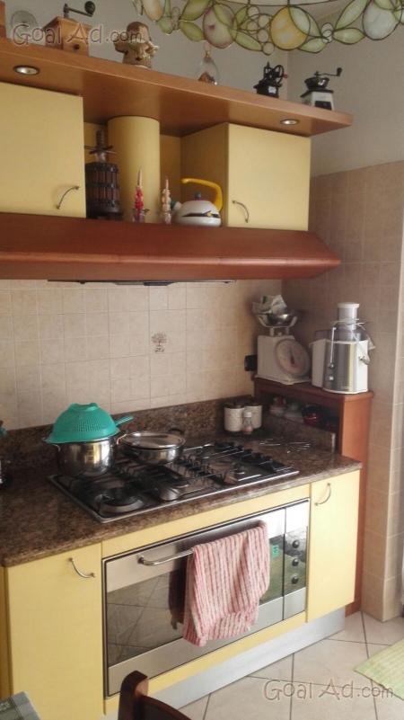 Cucina componibile completa seminuova h240 colore cerca for Cerco cucina componibile