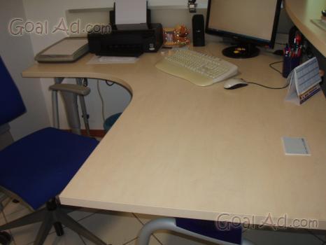 Scrivania sedia ruote vendo angolare ufficio   cerca, compra ...