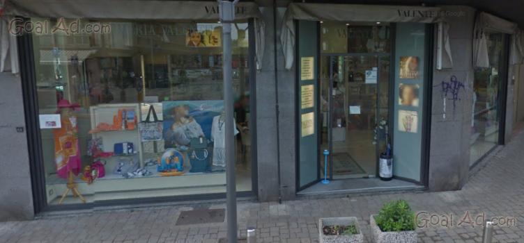 Cedesi negozio parrucchiera profumeria annessa raggiunti for Arredamento parafarmacia usato